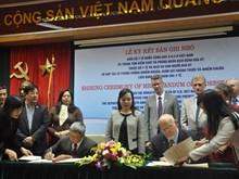 Vietnam y EE.UU. firman documento de cooperación en medicina
