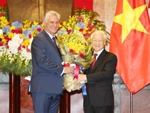 [Fotos] Presidente de Cuba inicia visita oficial a Vietnam