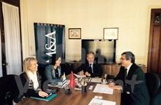 Vietnam promueve relaciones de colaboración con Uruguay
