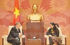 Vietnam favorece prácticas religiosas según leyes, afirma legisladora
