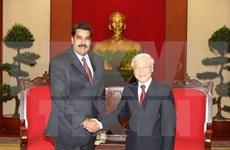 Líder de PCV se reúne con Nicolás Maduro