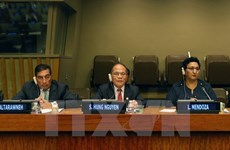 Sinh Hung copreside sesión de presidentes parlamentarios