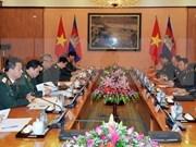 Vietnam y Cambodia intensifican cooperación entre fuerzas armadas