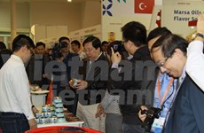 Productos vietnamitas captan atención en exposición alimentaria Moscú