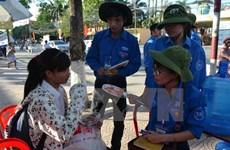 Jóvenes vietnamitas y laosianos estrechan enlaces