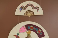 Abanicos de papel de la aldea de Chang Son