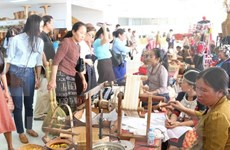 Vietnam en XIV Feria de Artesanía y Bellas Artes de Laos