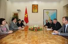 Propone Eslovenia agilizar lazos multifacéticos con Vietnam