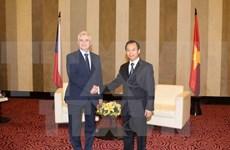 Concede Vietnam gran importancia a nexos con República Checa