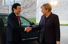 Presidente vietnamita conversa con canciller alemana Angela Merkel