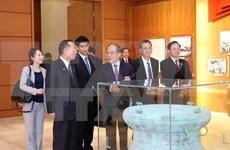Presidente de Cámara de Consejeros de Japón concluye exitosamente visita a Vietnam