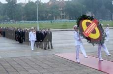 Rinden tributo a Ho Chi Minh con motivo de aniversario de primeras elecciones