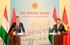 Robustecen Vietnam y Hungría cooperación en todas las esferas