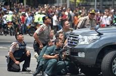 Cadenas de explosiones cobran vidas de siete personas en Yakarta