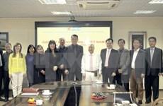 Empresas vietnamitas impulsan negocios en Suiza y Rusia