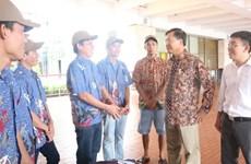 Indonesia repatría a diez pescadores vietnamitas