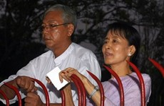 Myanmar: San Suu Kyi propone a su amigo Htin Kyaw para carrera presidencial