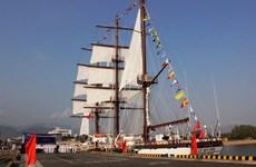 Fuerza naval vietnamita recibe primer buque de vela