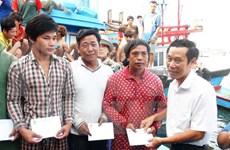 Regresan a tierra firme pescadores náufragos vietnamitas