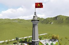En construcción asta de bandera Lung Po en provincia norvietnamita