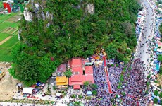 Nutrida participación en festival budista de Quan The Am