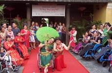 Honran la belleza de mujeres con discapacidad en Vietnam