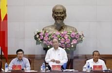Premier vietnamita insta crear mejores condiciones para producción y negocios