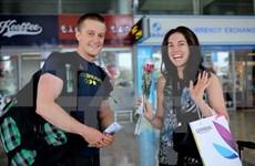 Proponen prorrogar a cinco años exención de visado a visitantes occidentales