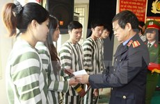 Hanoi concede amnistía a decenas de presos