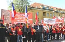 Vietnamitas en República Checa piden fin a acciones ilegales chinas en Mar del Este