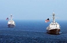 Destructor de EE.UU. se acerca a arrecifes Fiery Cross en Mar del Este