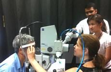 Orbis realiza operación oftalmológica gratuita en ciudad vietnamita