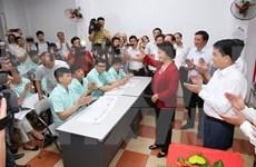 Funcionarios vietnamitas realizan inspecciones en colegios electorales en el país