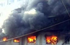 Tailandia: Al menos 17 alumnas fallecen en incendio en dormitorio escolar