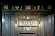 Poemas en construcciones reales de Hue, mixtura de literatura,arquitectura y pintura