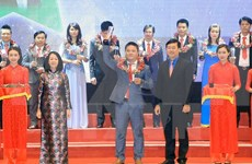 Honran a 100 destacados empresarios emprendedores de Vietnam
