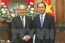 Presidente vietnamita recibe al ministro de Defensa francés