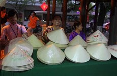 Antigua ciudad vietnamita preserva artesanía tradicional