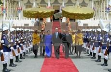 Reafirman Vietnam y Camboya determinación de fortalecer relaciones bilaterales