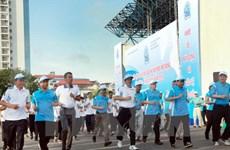 """Lanzan la carrera """"Por la paz"""" en Hanoi"""