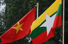 """Otorgan medalla """"Por la paz y amistad entre los pueblos"""" al embajador birmano"""