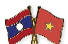 Visita delegación militar de alto nivel de Vietnam a Laos