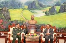 Líder laosiano promete respaldar cooperación militar con Vietnam