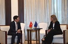 Recibe vicepremier vietnamita se reúne con alta representante de UE