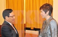 Vicepremier llama a Singapur a facilitar entrada a mercancías vietnamitas