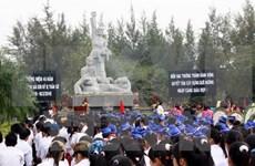 Vietnamitas residentes en extranjero visitan zona de testimonio de My Son