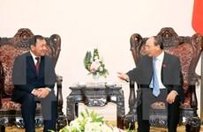 Recibe premier vietnamita a embajador saliente camboyano