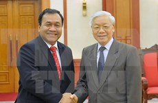 Secretario general del PCV recibe a embajador saliente de Camboya