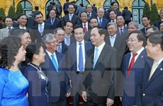 Presidente urge a diplomáticos a contribuir aún más al desarrollo nacional
