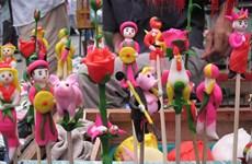 "Experimentan elaboración de figuritas de ""To He"" en el casco antiguo de Hanoi"